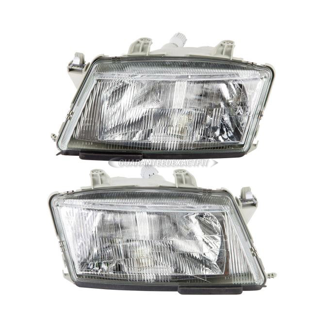 Saab 900                            Headlight Assembly PairHeadlight Assembly Pair