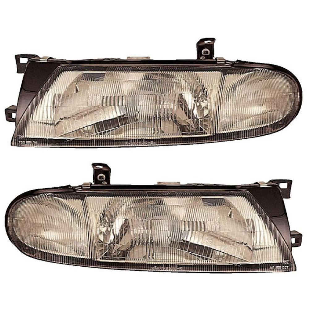 Nissan Altima                         Headlight Assembly PairHeadlight Assembly Pair